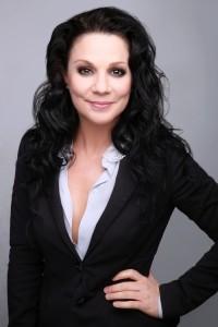 Diana Holt - Female Singer