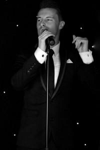 Gareth Evans  - Male Singer