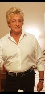 Rob Wright as rod stewart image