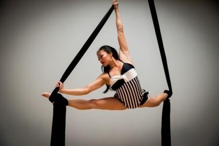 Vivian Tam - Aerialist / Acrobat