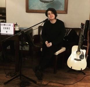 Camila Cobe  - Guitar Singer