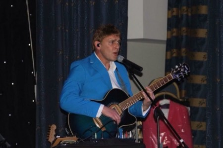 Danny Sings Cliff - Cliff Richard Tribute Act