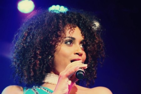 Talia Alexis - Female Singer