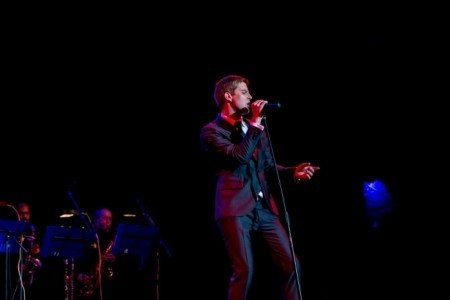 Ryan Mac: Swing, Jazz, Pop, Rock, Funk & Soul Singer. Other Genres Covered - Jazz Singer