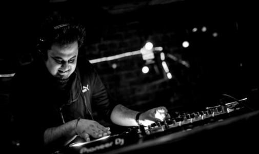 Djvarrun - Nightclub DJ