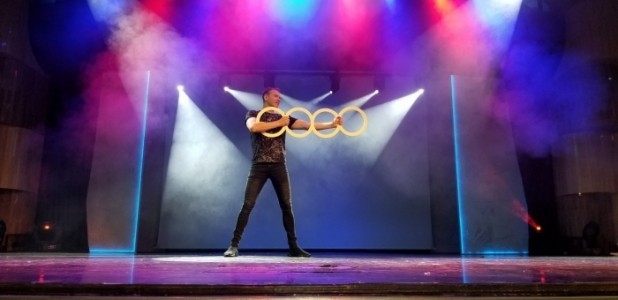 Juggling Balls, Juggling Rings, Diabolos - Juggler