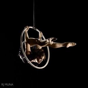 Stephanie Bailey - Aerialist / Acrobat