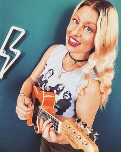 Meg Lanzarone - Female Singer