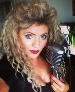 Kelly Smiley - Female Singer