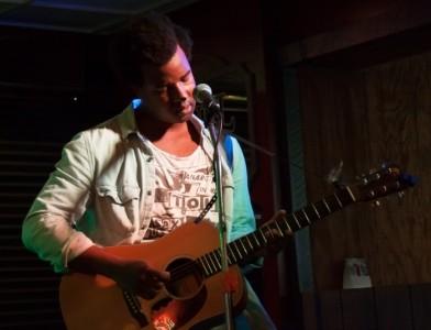 pentley holmes - Solo Guitarist