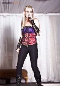 Colé van dais - Female Singer