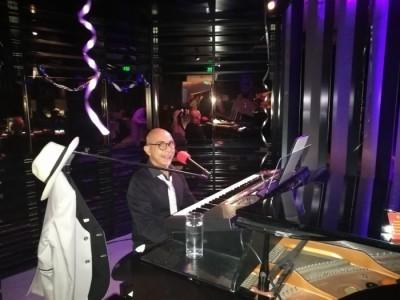 G D ANGELO - One Man Band - Pianist entertainer - Pianist / Singer