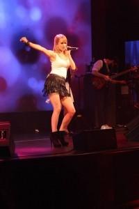 Emma Fox - Female Singer
