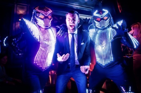 LED ROBOTS CO2, LASER SHOW, MIRROR SHOW & MEGA ROBOT - Costumed Character