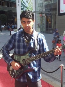 Nicolas Gauntlett  - Electric Guitarist