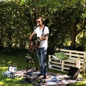 Brian V. - Acoustic Guitarist / Vocalist