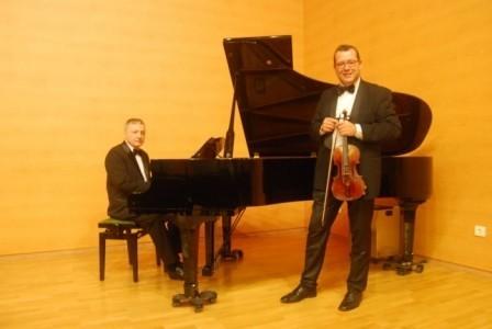 Black Tie Duet - Violinist