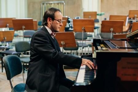 Image Duet (piano and violin) - Multi-Instrumentalist
