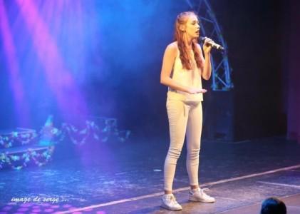 Leanne Paige - Female Singer