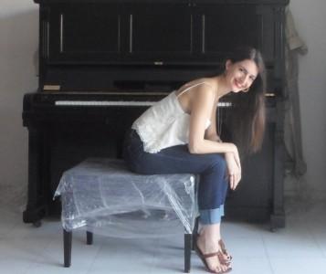 Sophia Chatz - Female Singer