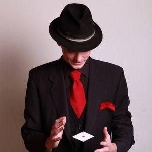 Magician Max Rendall - Close-up Magician