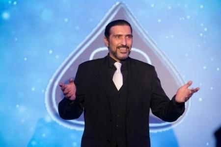 Brian Role` Award Winning Magician - Close-up Magician