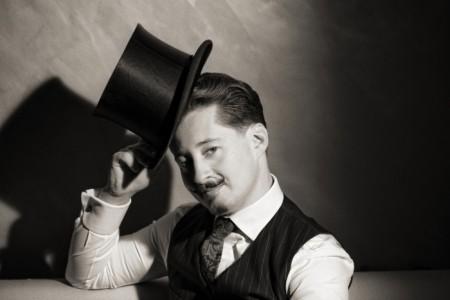 Rafael Scholten - Cabaret Magician - Cabaret Magician