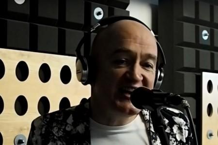Jeremy - Male Singer