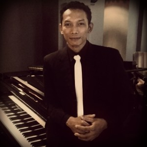 Eli - Pianist / Keyboardist
