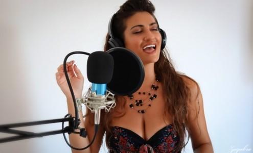 Claudiess  - Female Singer