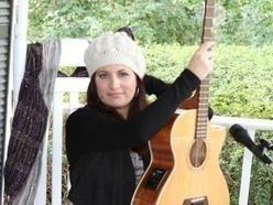 Deanna Carolina - Harpist