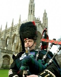 Cambridge Bagpiper - Bagpiper