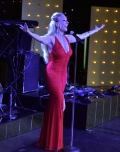 Laura Parkes - Female Singer