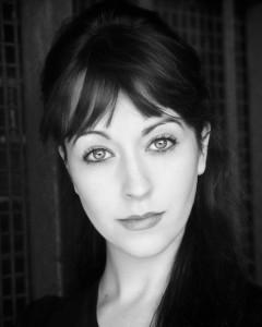Laura Denmar - Pianist / Singer