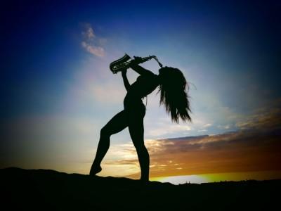 Ashleigh Daw - Saxophonist