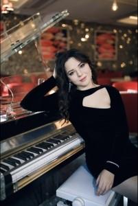 Anett - Pianist / Keyboardist
