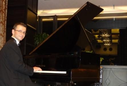Stan Alexandrov - Pianist / Keyboardist