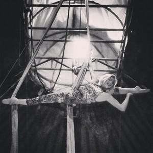 Danii Smith - Aerialist / Acrobat