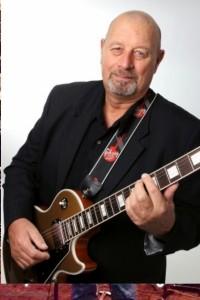 Noel  - Guitar Singer