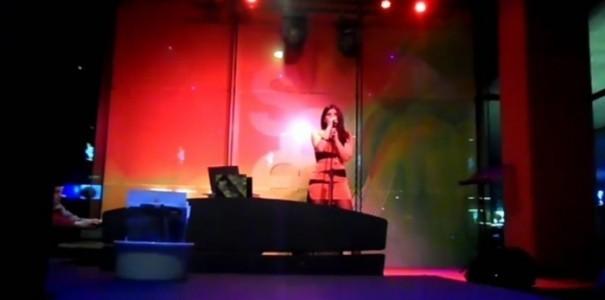 Jo  - Female Singer