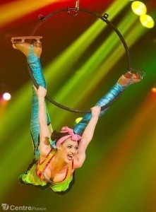 Melody Le Moal  - Aerialist / Acrobat