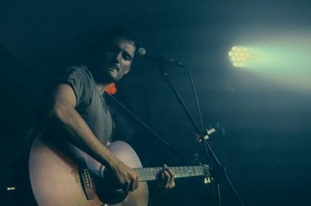 Colourshop - Guitar Singer