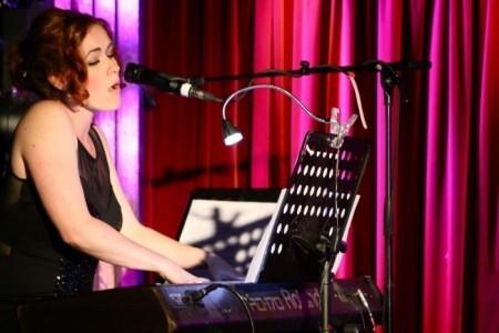 Lucy Garrioch Singer/Pianist - Female Singer