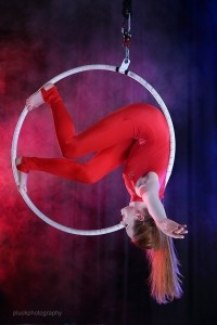 Naomi Scott - Aerialist / Acrobat