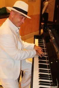 G D ANGELO - One Man Band - Pianist entertainer image