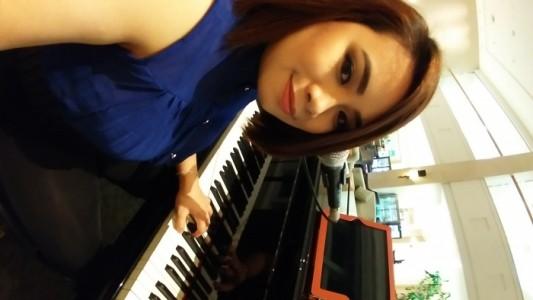 Singer/Pianist - Pianist / Keyboardist