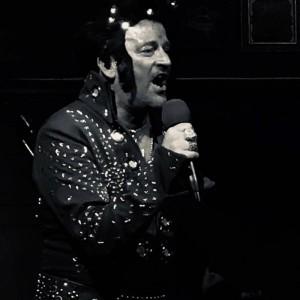 Elberace : Gay Elvis - Elvis Tribute Act