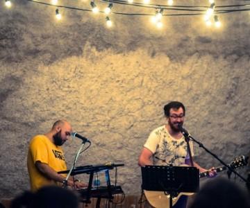 Random Noise - Acoustic Band