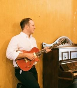 Abel - Acoustic Guitarist / Vocalist