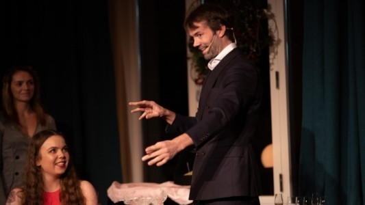 Christian Wedoy - Comedy Cabaret Magician